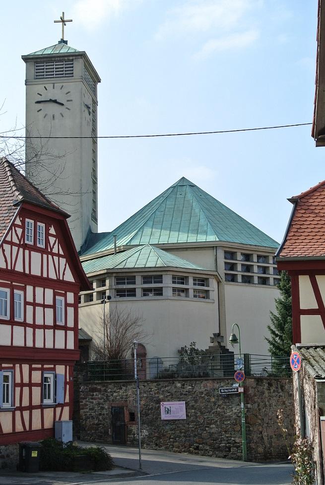 Frankfurt am Main-Niederursel, Gustav-Adolf-Kirche, 1928 (Bild: Gaki64, CC BY 3.0)