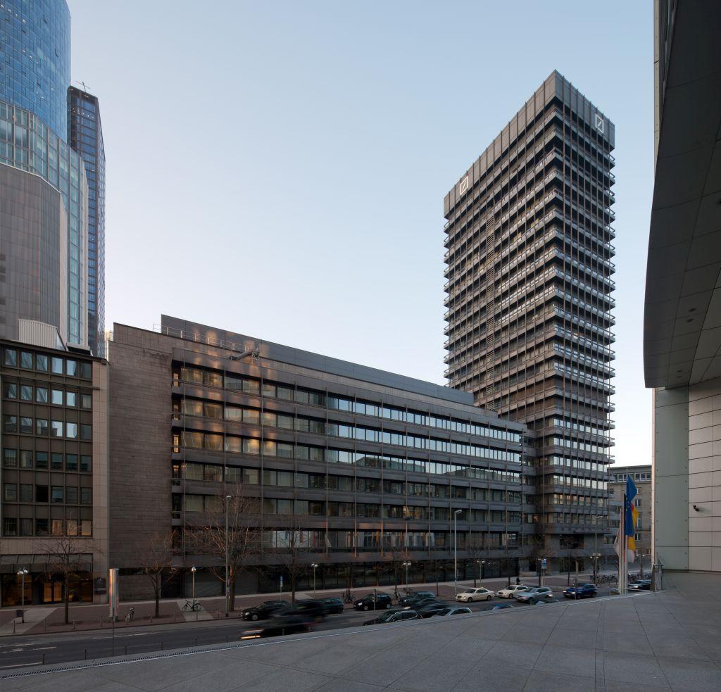"""Hat wohl keine Zukunft mehr: Das 1969-71 errichtete """"Investment Banking Center"""" der Deutschen Bank (Bild: Mylius, GFDL 1.2)"""