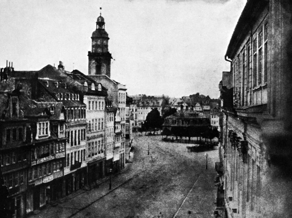 William Henry Fox Talbot fotografierte 1846 die Zeil in Richtung Hauptwache (Bild: William Henry Talbot, 1846)
