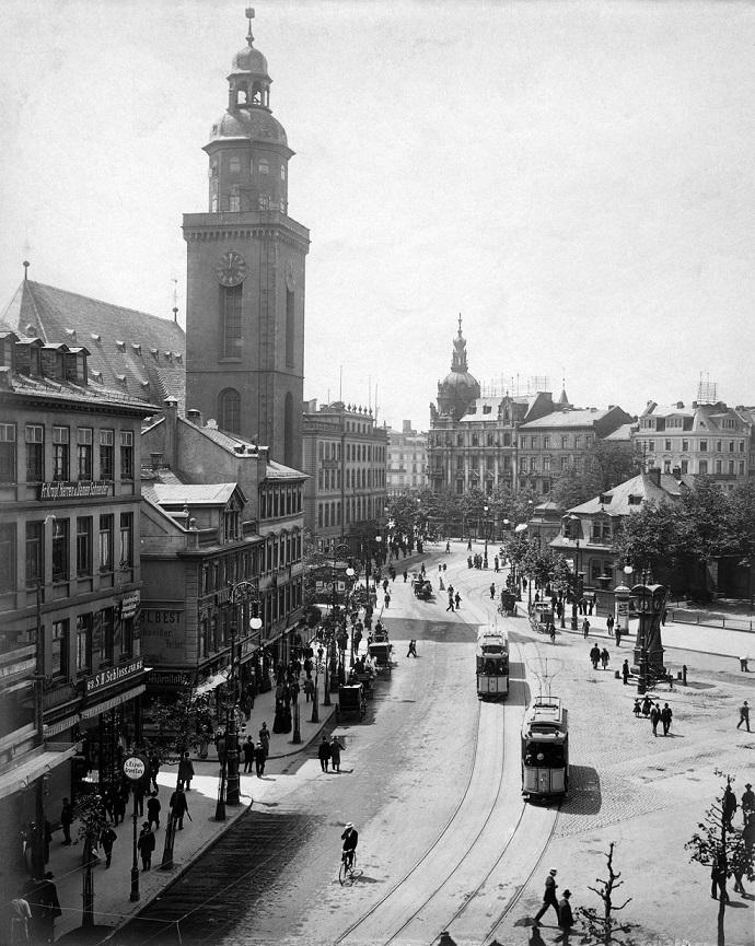 Die Frankfurter Zeil mit der Katharinenkirche im Jahr 1901 (Bild: Privatsammlung Mylius)