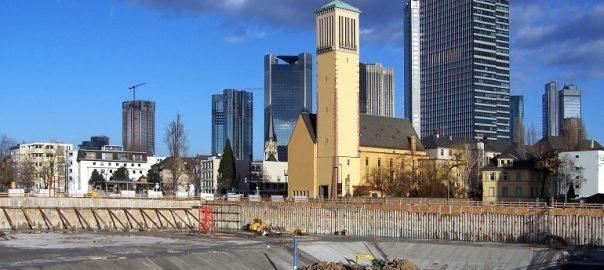 Frankfurt/Main, Matthäuskirche, 2009 (Bild: Melkom, GFDL oder CC BY SA 3.0)