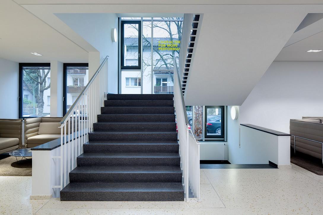 Frankfurt am Main, ehemaliges Verkaufskontor der Farbwerke Hoechst (Bild: Pielok Marquardt, Offenbach am Main)