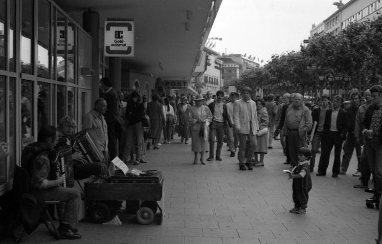 Die Frankfurter Zeil im Jahr 1988 (Bild: Bild: Bundesarchiv B 145 Bild F078966-0009, CC BY SA)