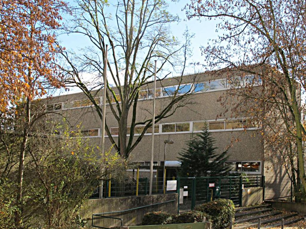 Frankfurt, Römerstadtschule (Bild: D. Bartetzko)o