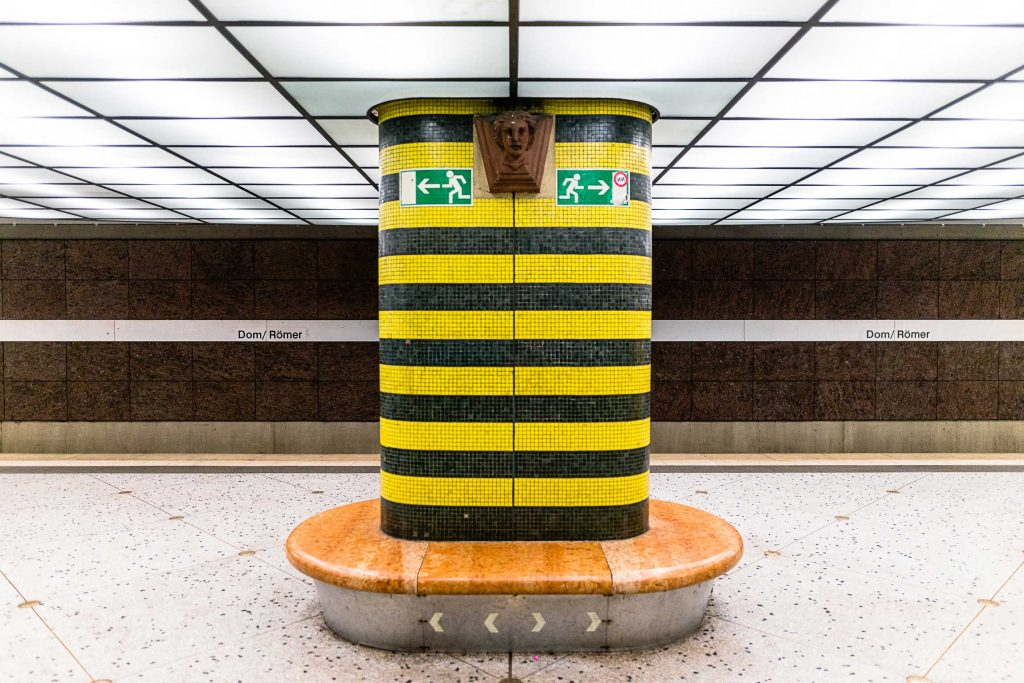 "Frankfurt am Main, U-Bahnhof ""Dom/Römer"" (Bilder: Gregor Zoyzoyla, 2019)"