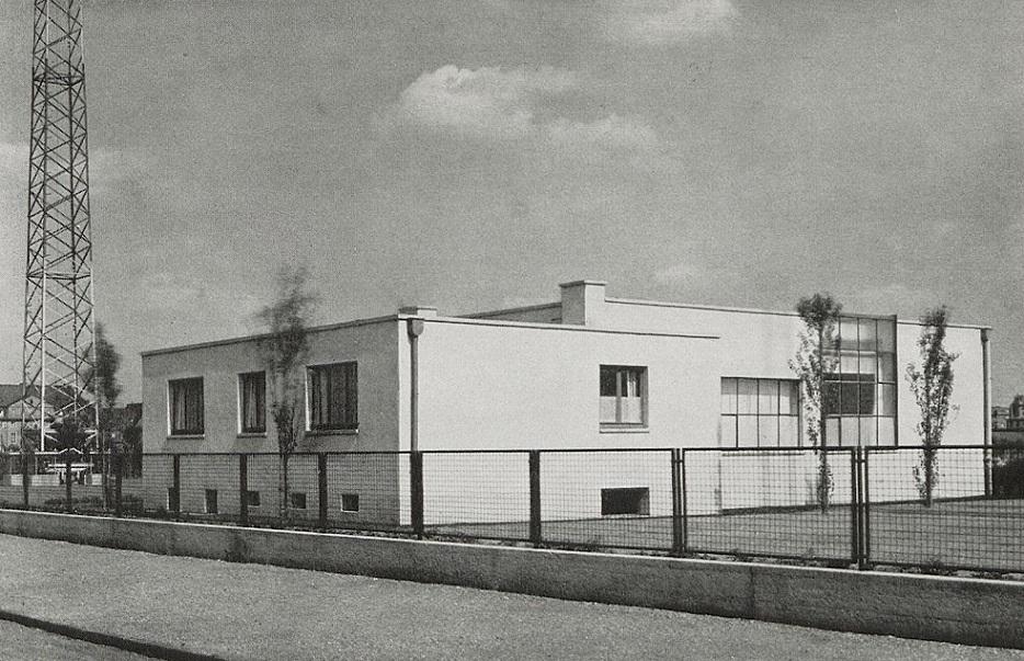 Frankfurt am Main, Funkstelle auf dem Flugplatz auf dem Rebstockgelände (Quelle: Nachlass Heinrich Helbing)