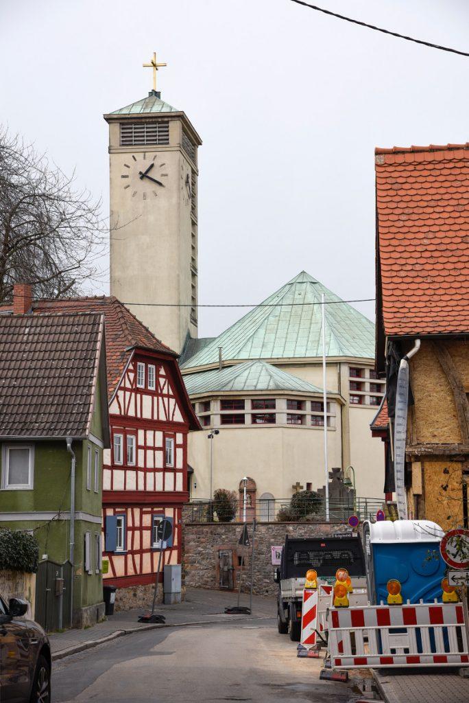 Frankfurt-Niederursel, Gustav-Adolf-Kirche (Foto: Andreas Beyer)