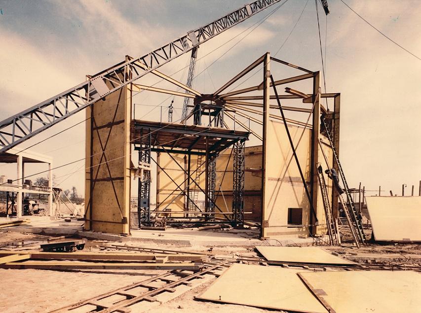 Institut für Kernphysik/Reaktorgebäude im Bau, Universität Frankfurt (© Privatarchiv Kramer, Foto: Herbert Schwöbel, 1956)
