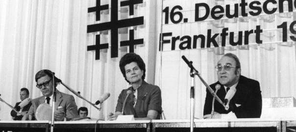 Frankfurt am Main, Kirchentag, 1975 (Bild: B 145, Bild F045686-0005, CC BY SA 3.0)