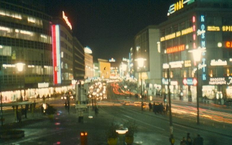Frankfurt am Main, Zeil bei Nacht, 1970 (Bild: Dontworry, CC BY-SA 2.0. de)