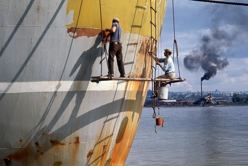 Fred Herzog, Boat Scrapers 1, 1964 (© Fred Herzog und Equinox Gallery)