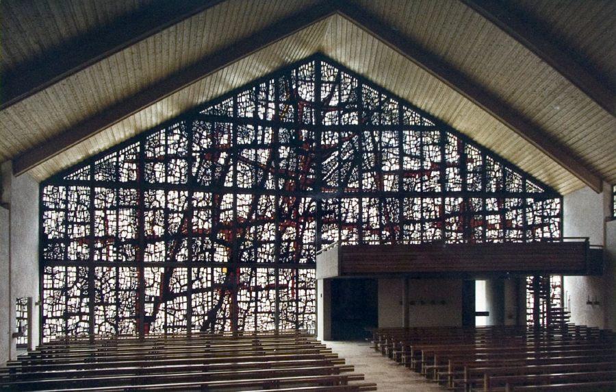 Die Kirche in Gütenbach/Schwarzwald gab es sogar als Modell für die Spielzeugeisenbahn  aber ohne die Betonverglasung von Rainer Dorwarth (Bild: R. Dorwarth)