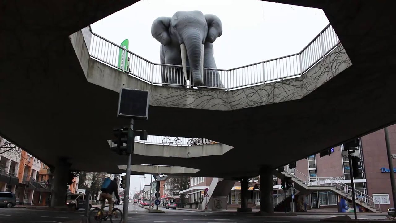 "Gießen, Fußgängerüberführung/sog. ""Elefantenklo"" (Bild: youtube-Still)"