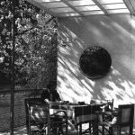 Das Haus Albrecher-Leskoschek in Graz: die Terrasse mit dem zur Pergola aufgelösten Vordach(Bild: Archiv der TU Graz, Sammlung Herbert Eichholzer)