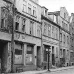 Private Bilder vom Verfall: die Greifswalder Altstadt im Sommer 1989 (Bild: Heliozentrik, GFDL oder CC BY SA 3.0)