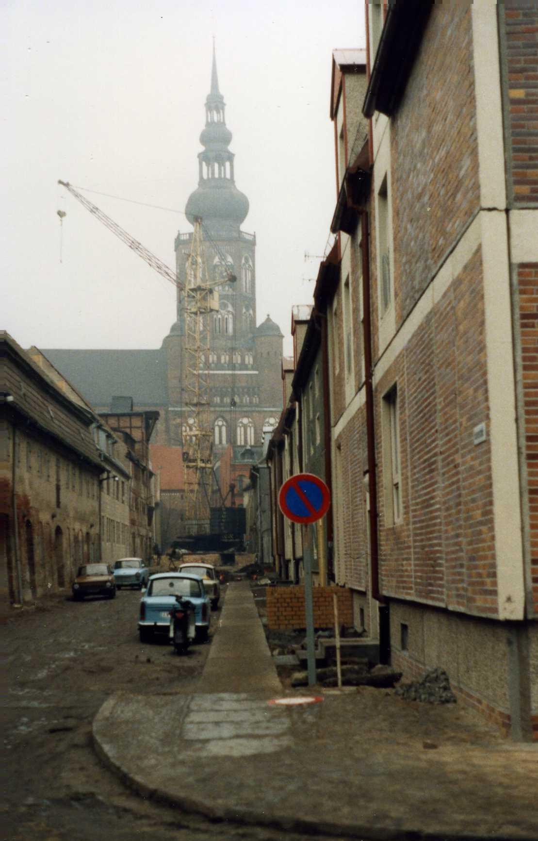 Greifswald, Dom, Januar 1990 (Bild: Felix O., CC BY SA 2.0)