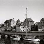Langsam rückt die Platte näher: der Greifswalder Hafen im Jahr 1986 (Bild: Copyright Torsten Rütz)