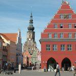 Bis heute unverzichtbar: der Domturm am Greifswalder Marktplatz (Bild: Harald909, GFD oder CC BY SA 3.0)