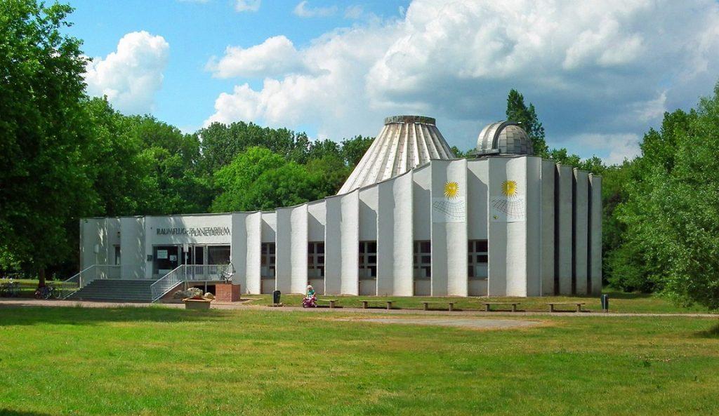 Halle-Preißnitz, Planetarium, 2011 (Bild: Michael aus Halle, CC BY SA 3.0)