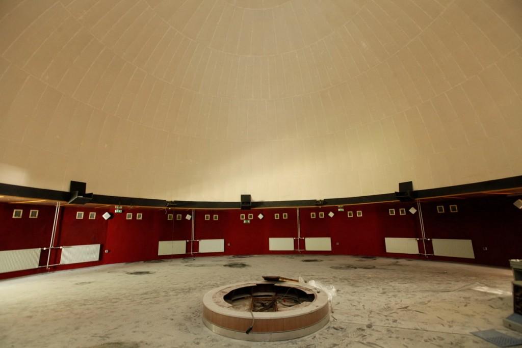 Halle (Saale), aktueller Zustand des Innenraums des Planetariums auf der Peißnitzinsel, Fotoaufnahme 2015 (Bild: Stadt Halle (Saale), Thomas Ziegler)