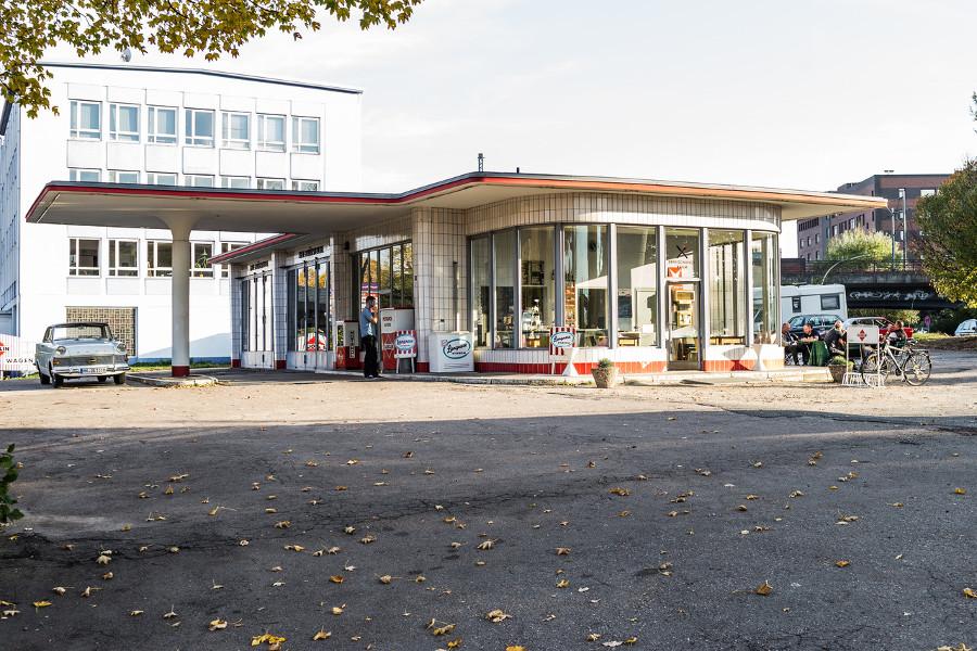 Hamburg-Hammersbrook, Tankstelle (Bild: dashalbrundezimmer)