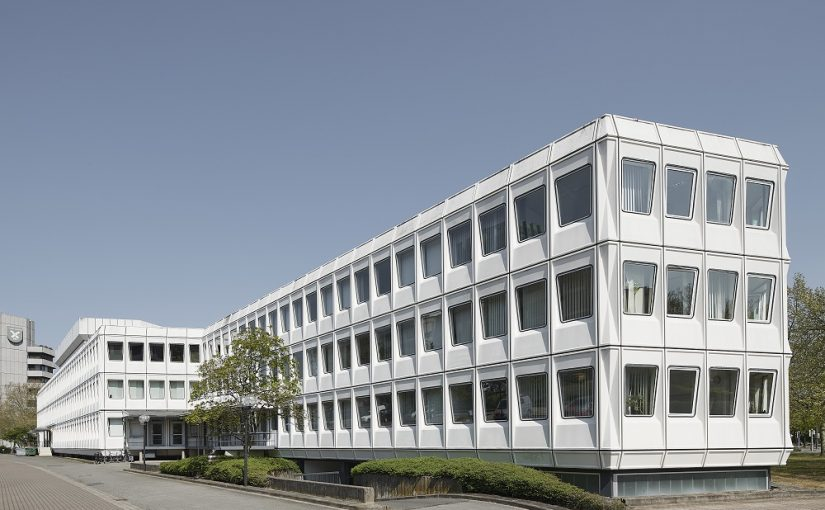 Hannover, Weber-Bau auf dem Campus der Medizinischen Hochschule (Bild: © Olaf Mahlstedt)