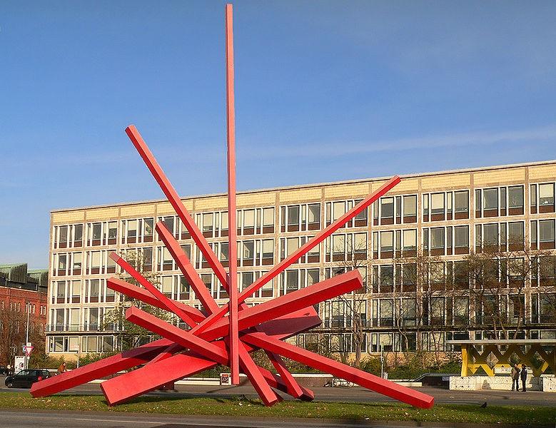Hannover, Skulpturenmeile (ca. 1970 bis 2000) auf dem Grünstreifen des Innenstadtrings (Bild: Axel Hindemith, PD)