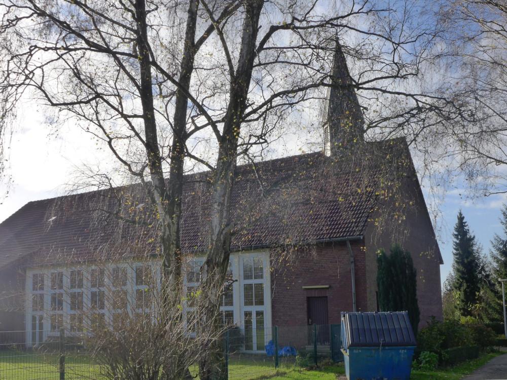 Herten, Lutherkirche (Bild: Michael Durwen, CC BY 3.0, via kirchbau.de, wohl 2008)