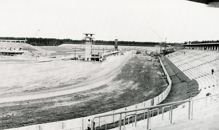 In den Jahren 1964 bis 1966 entstand das neue Motodrom (Bild: Hockenheimring, 1965)