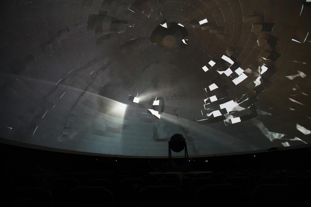 Jena, Zeiss-Planetarium, Full Dome Festival 2012 (Bild: Volkmar Schorcht, CC BY SA 3.0)