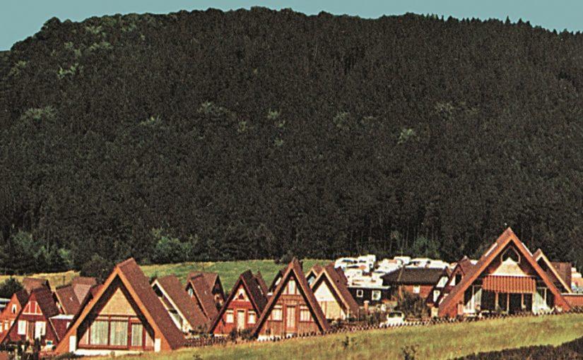 Wolfshagen, Nurda-Ferienhäuser (Bild: historische Postkarte, wohl 1970er Jahre)