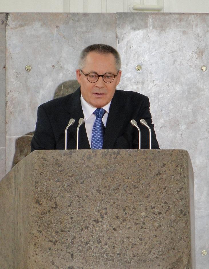 Karl Schlegel bei der Verleihung des Deutschen Friedenspreises 2009 in der Frankfurter Paulskirche (Bild: Dontworry, CC BY SA 3.0)