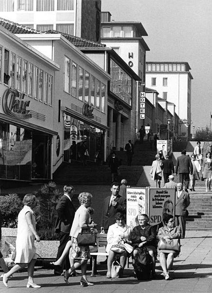 Kassel, Treppenstraße, 1969 (Bild: Bundesarchiv B 145 Bild-F030015-0009, Foto: Jens Gathmann, CC BY SA 3.0.de)