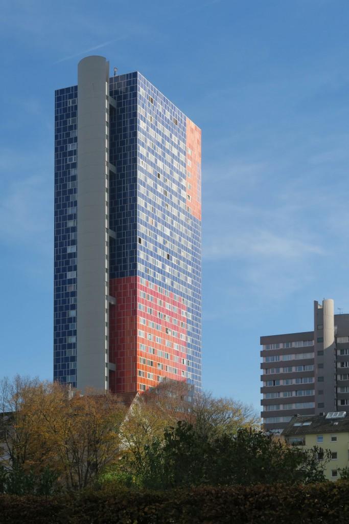 Das Kölner Herkuleshaus mit Treppenturm (Bild: Uta Winterhager)
