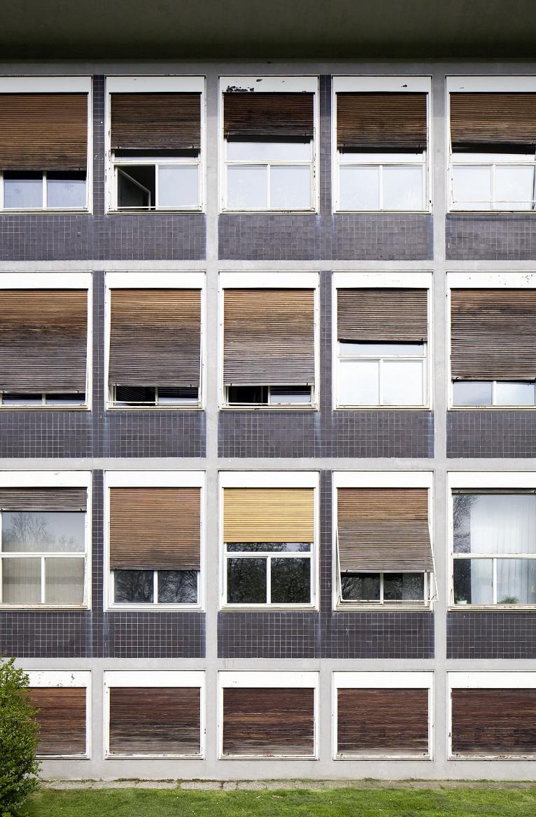 Stadthaus Krefeld, Fassadenausschnitt (ehemals Verwaltungsgebäude Verseidag, Egon Eiermann, 1951-53) (Foto: LVR-ADR, Silvia Margit Wolf, 2016)