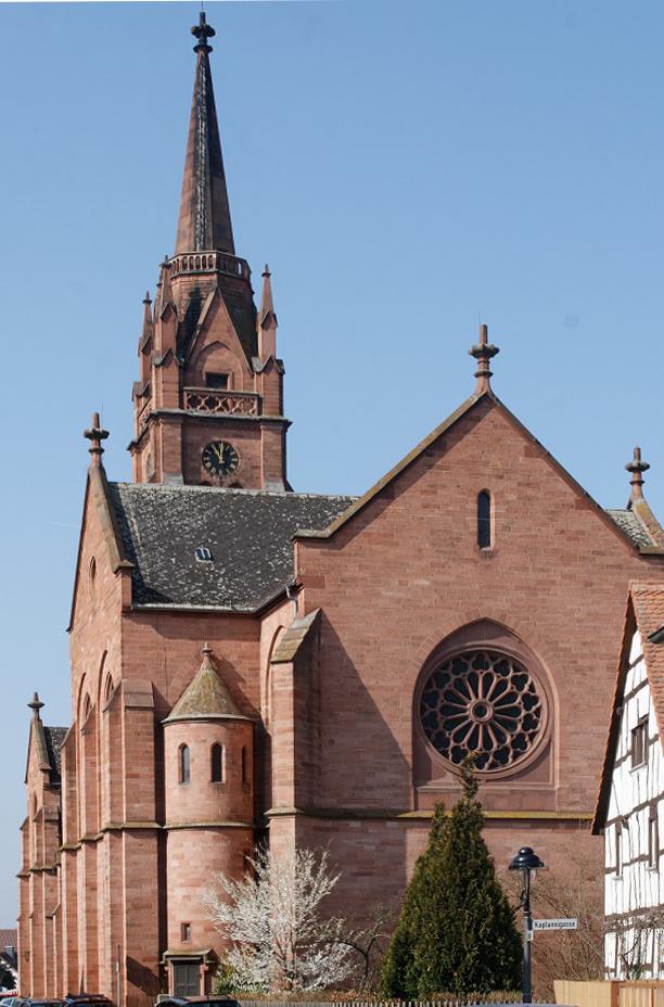 Langen, Stadtkirche (Bild: E-W, CC BY SA 3.0)