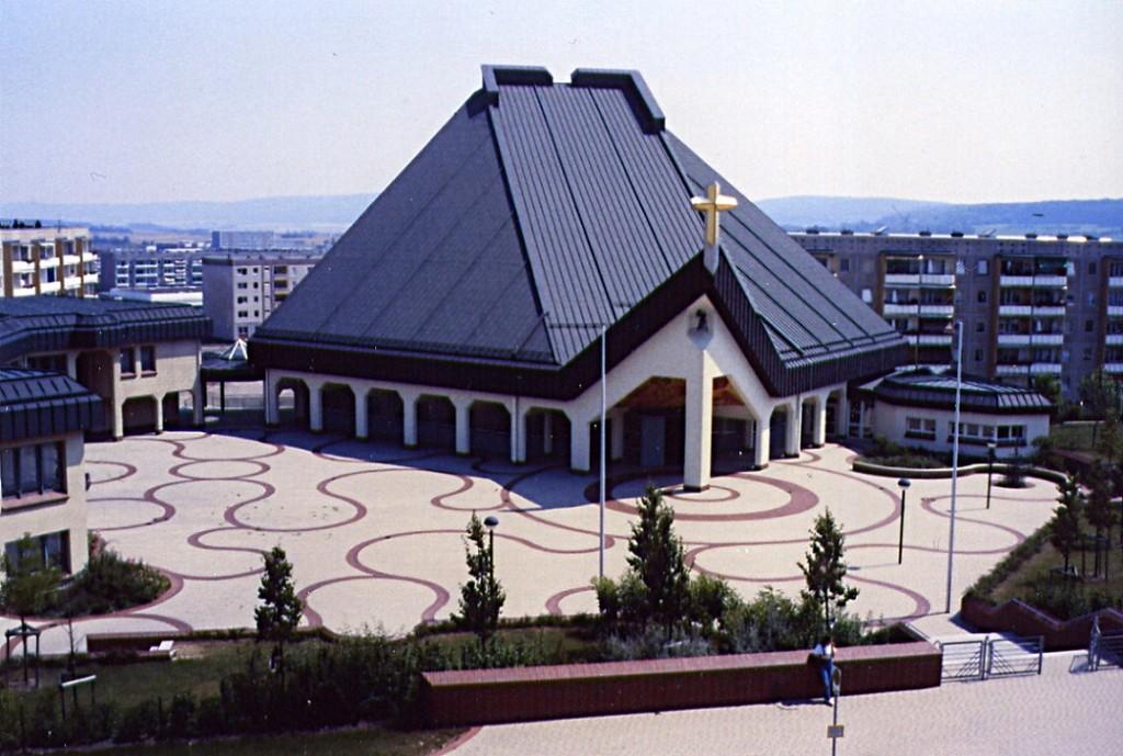 Leinefelde, St. Bonifatius (Wolfgang Lukassek, 1989) (Bild: Wolfgang Lukassek, 1990er Jahre)