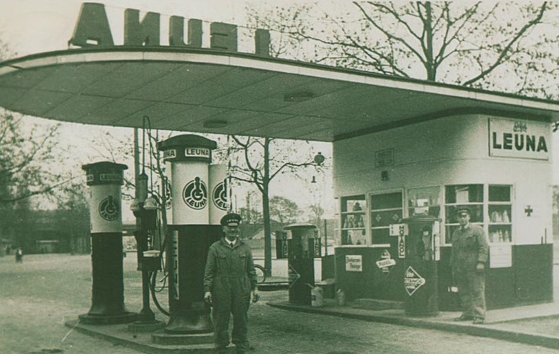 Frankfurt am Main, Leuna-Tankstelle (Bild: historische Abbildung)