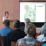 Die Denkmalpflegerin Dr. Maria Wüllenkemper referierte in Loheland am 29. Mai 2016 über die Geschichte von Eva- und Sutorhaus (Bild: K. Berkemann)