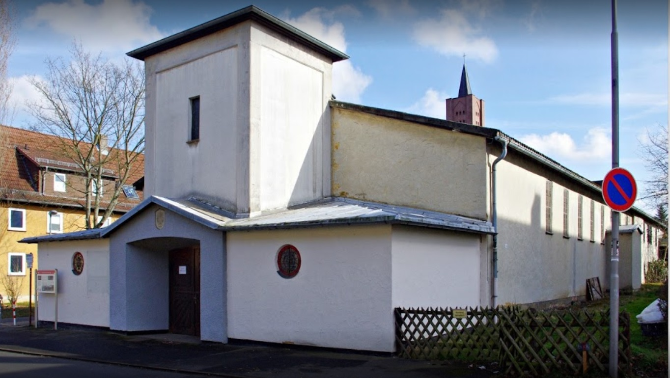 Lohfelden, St. Johannes Bosco, heute Kutschenmuseum (Bild: Manfred Kehr, via google maps)