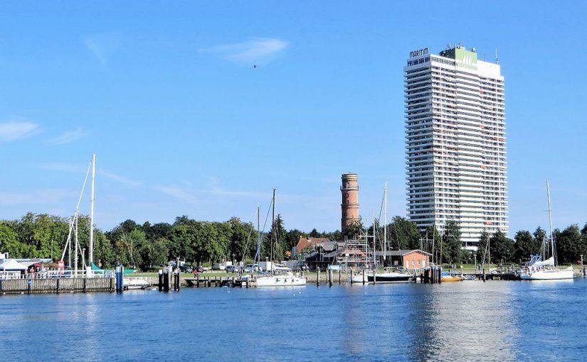 Lübeck-Travemünde, Maritim-Hotel (Bild: Klaus Bärenwinkel, GFDL oder CC BY SA 3.0, 2016)