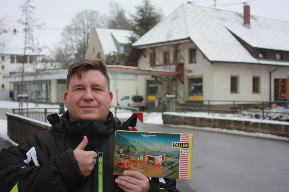 Lutz Schmidt gewinnt bei moderneREGIONAL einen Faller-Tankstellen-Bausatz (Bild: privat, 2019)