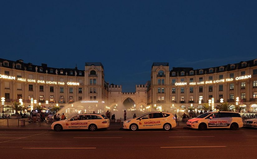 München, Stachus 2013 (Bild: Martin Falbisoner, CC BY-SA 3.0)