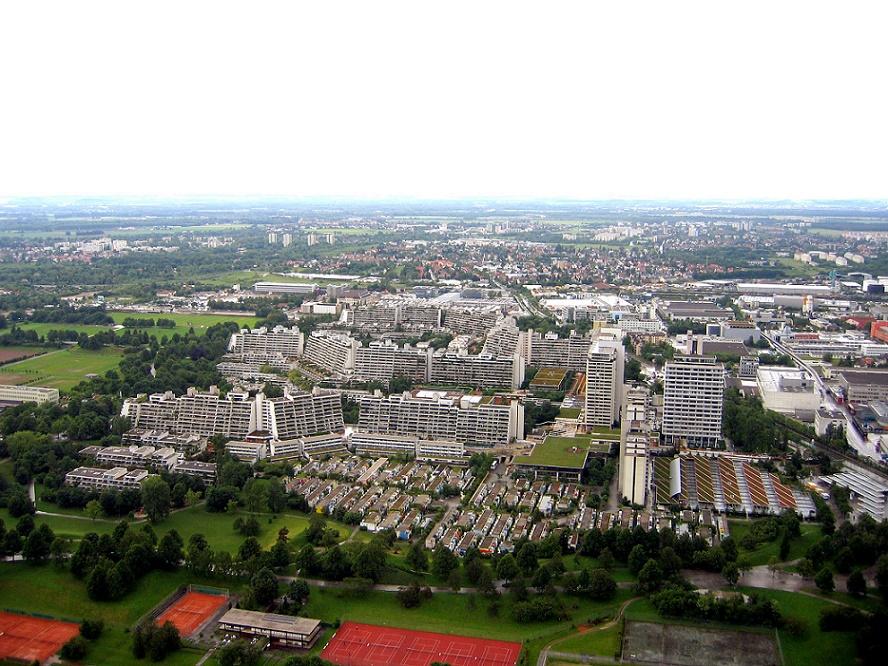München, Olympiadorf vom Olympiaturm (Bild: Douglas Whitaker, CC BY SA 2.5)