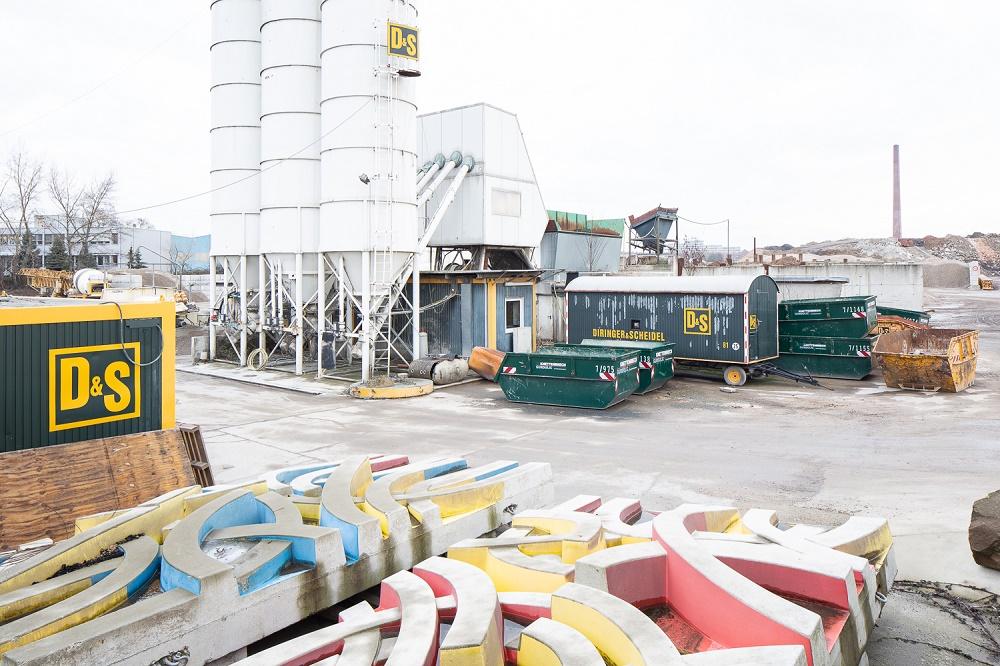 Mannheim, abgebaute Betonreliefs von Otto Herbert Hajek (Bild: Maro Vedana, Februar 2019)