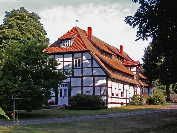 Meinersehn, eh. Amtsgericht (Bild: Kirchenfan, CC0 1.0, 2013)
