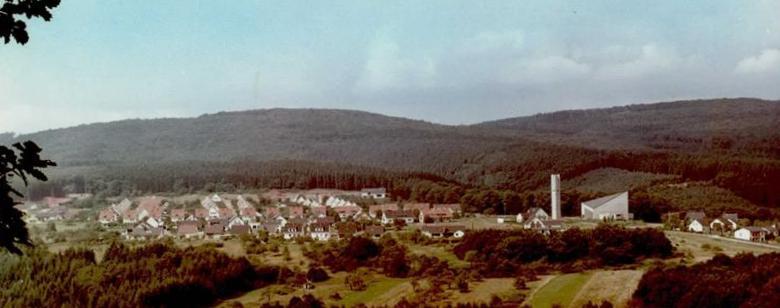 Mettlach, Lutwinus-Siedlung (Bild: historische Postkarte, Cramers Kunstanstalt Dortmund)