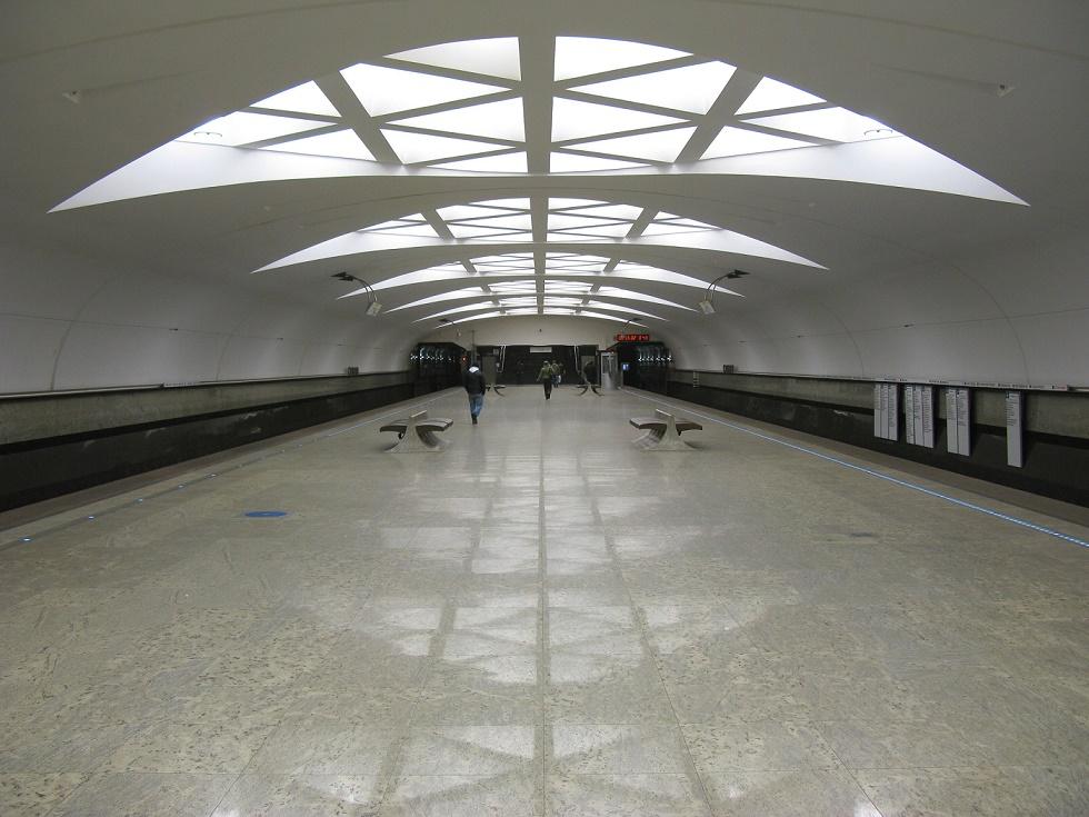 "Moskau, Metrostation ""Strogino"" (Bild: Eternal Triangle, CC BY SA 3.0 oder GFDL)"