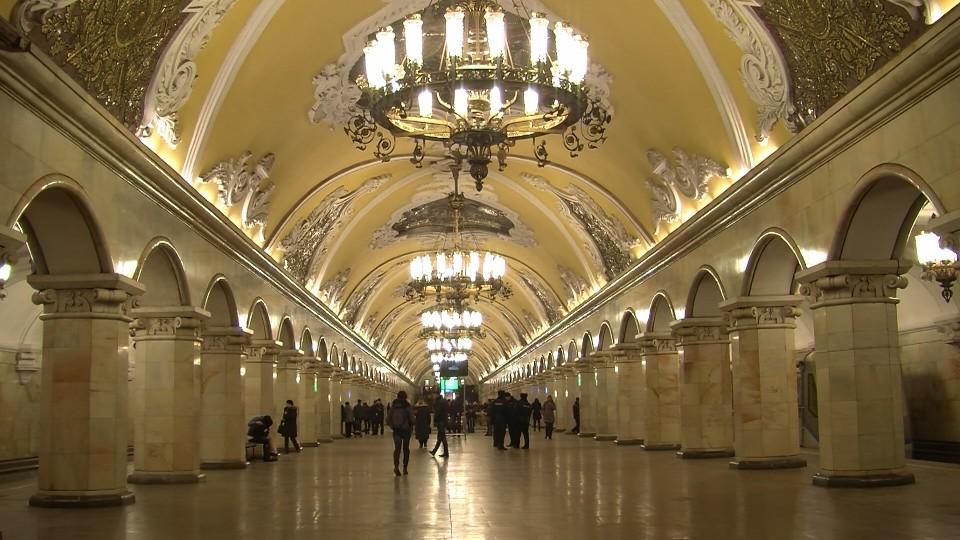 Moskau, Metrostation Komsomolskaja (Bild: Julius Reinsberg)