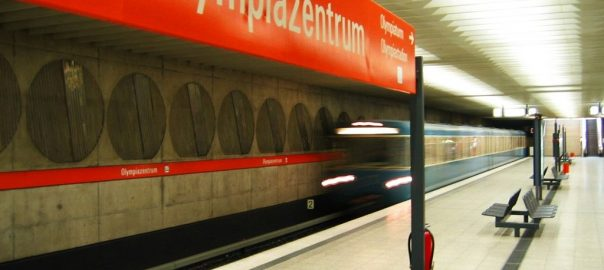 München, U-Bahnhof Olympiazentrum (Bild: Florian Schütz, CC BY 2.5)